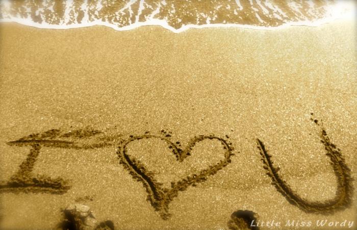 I Heart U Sand1
